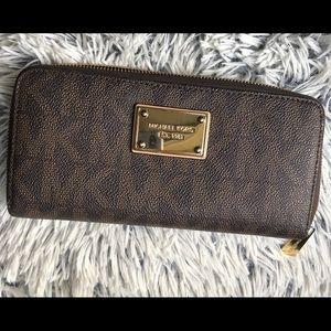 Michael Kors MK zip wallet